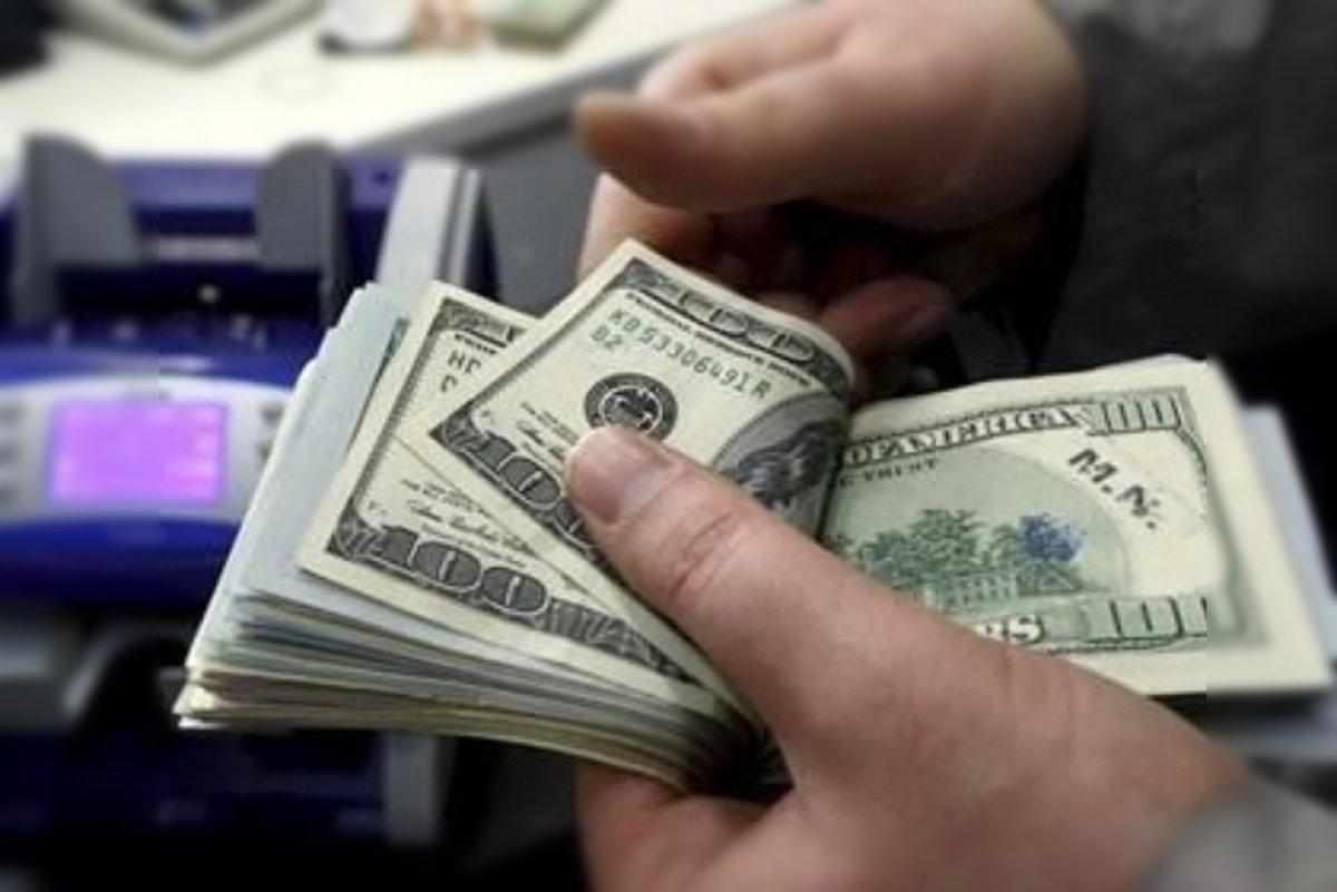 dolar venta precio contando dolares